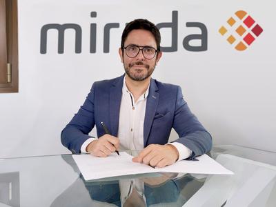 Vázquez Mirada Move Up